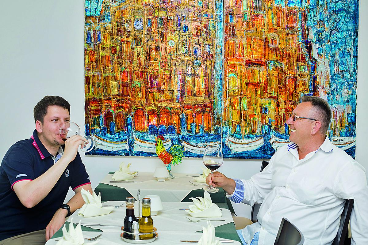 Dubrovnik, 140616. Tradicionalna namirnica dubravackog podneblja ljuta naranca, u tom kraju od nje rade djem po staroj recepturi, a jedan od odlicnih restorana u starom gradu je Kopun koji taj djem koristi u pripremi svojih jela. Foto: Berislava Picek/ CROPIX