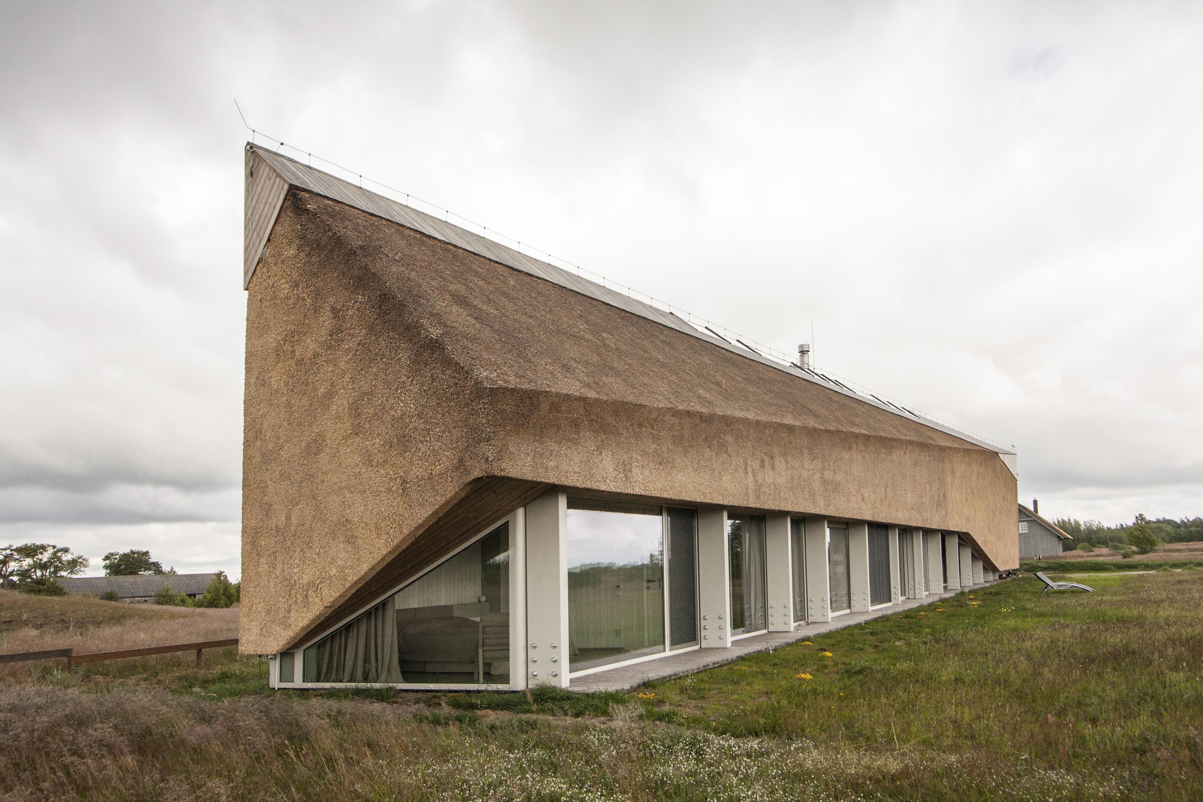Kuća sa slamnatim krovom