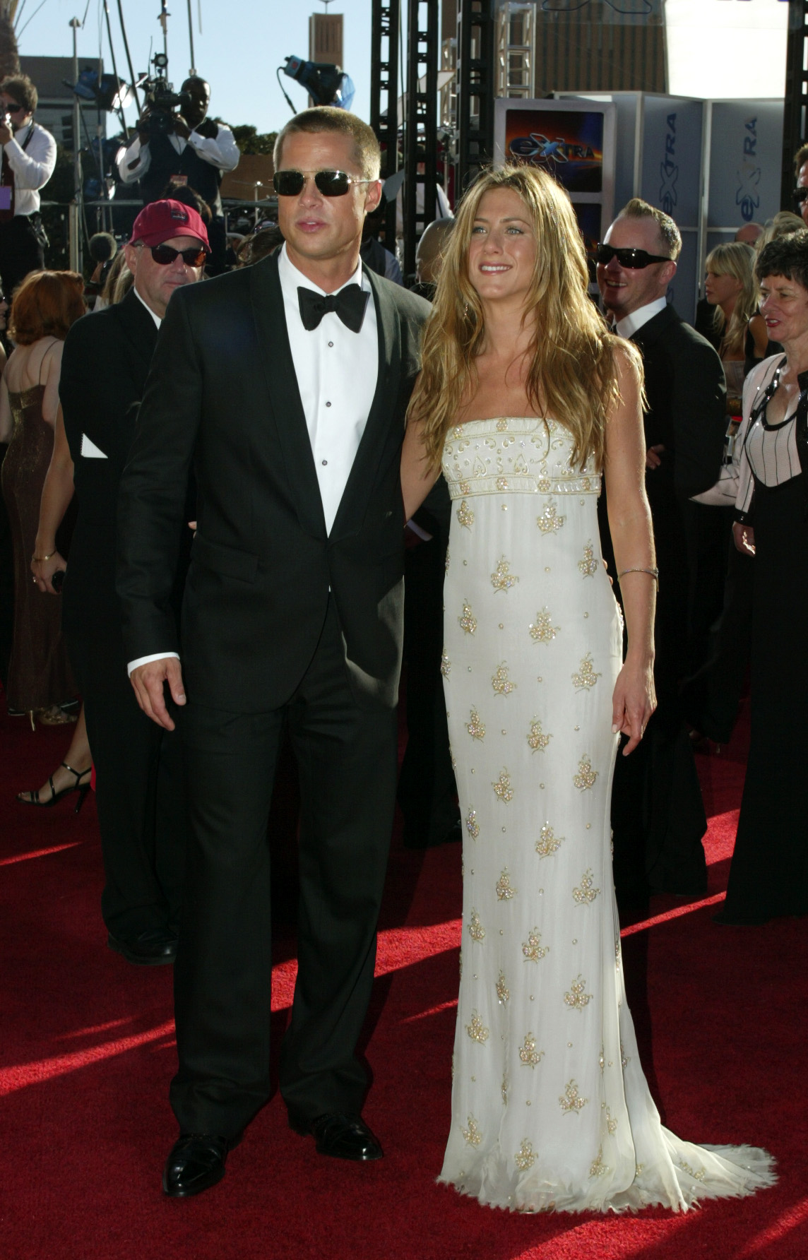 Sep 19, 2004 - Los Angeles, California, USA - BRAD PITT and his wife JENNIFER ANISTON share an intimate moment on the red carpet at the 56th Annual Emmy Awards at the Shrine Auditorium., Image: 30001363, License: Rights-managed, Restrictions: * Los Angeles Times and U.S. Tabloid Rights OUT *, Model Release: no, Credit line: Profimedia, Zuma Press - Entertaiment