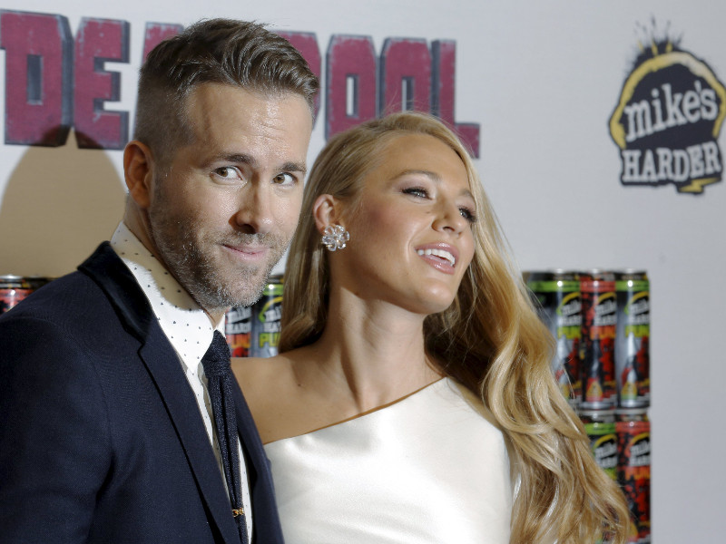 ryan_reynolds_i_blake_lively_00.bin