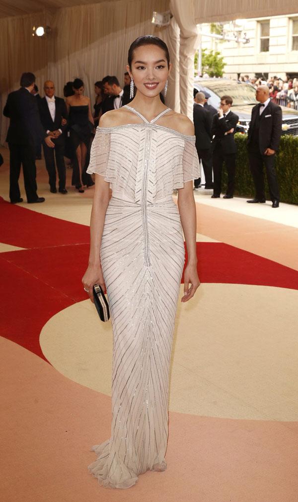 actress-fei-fei-sun-arrives-at-the-met-gala-in-new-york.bin