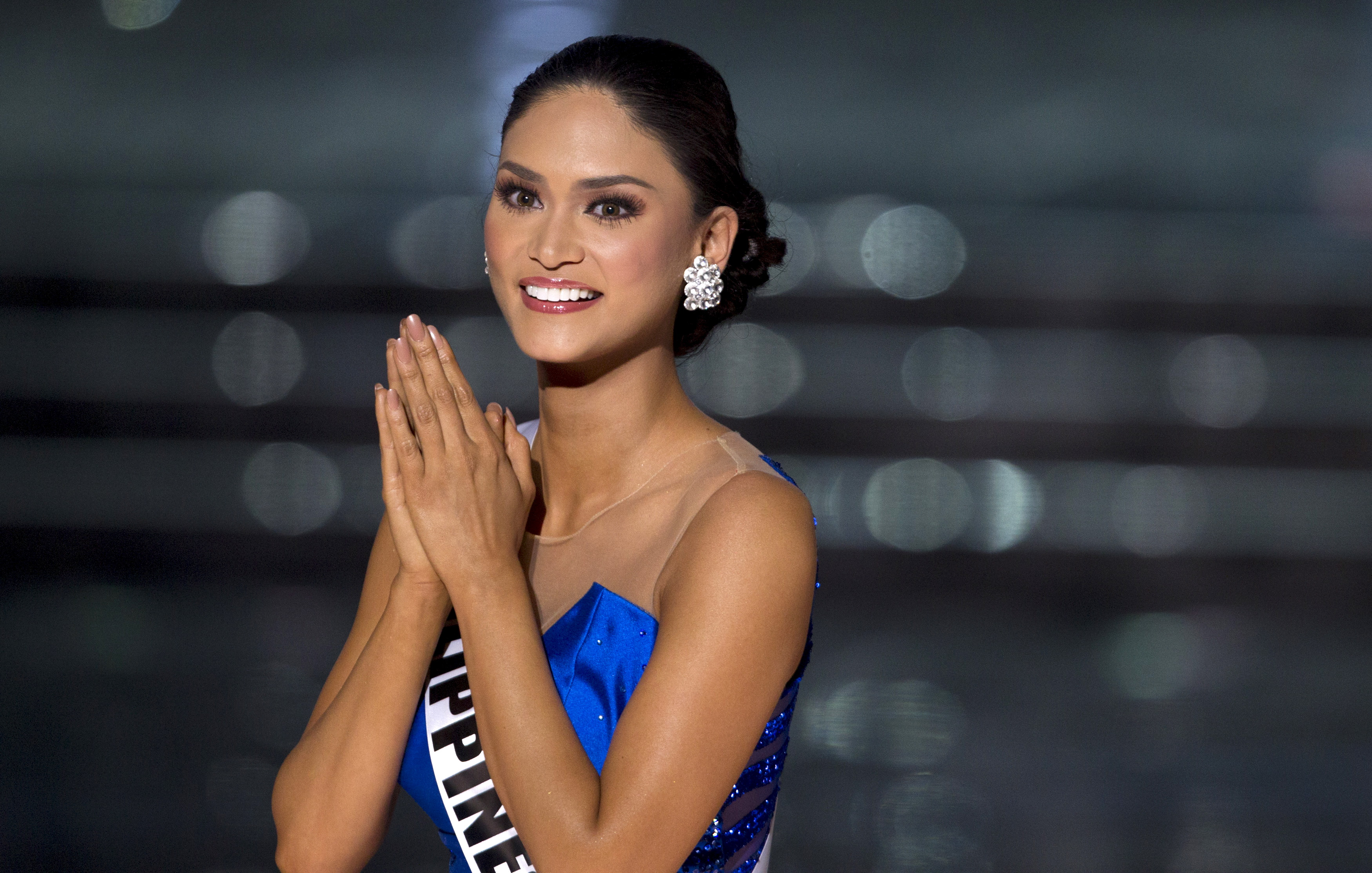 Miss Philippines Pia Alonzo Wurtzbach competes in the 2015 Miss Universe Pageant in Las Vegas, Nevada December 20, 2015. Wurtzbach was later crowned Miss Universe. REUTERS/Steve Marcus    ATTENTION EDITORS - FOR EDITORIAL USE ONLY. NOT FOR SALE FOR MARKETING OR ADVERTISING CAMPAIGNS - RTX1ZK2D
