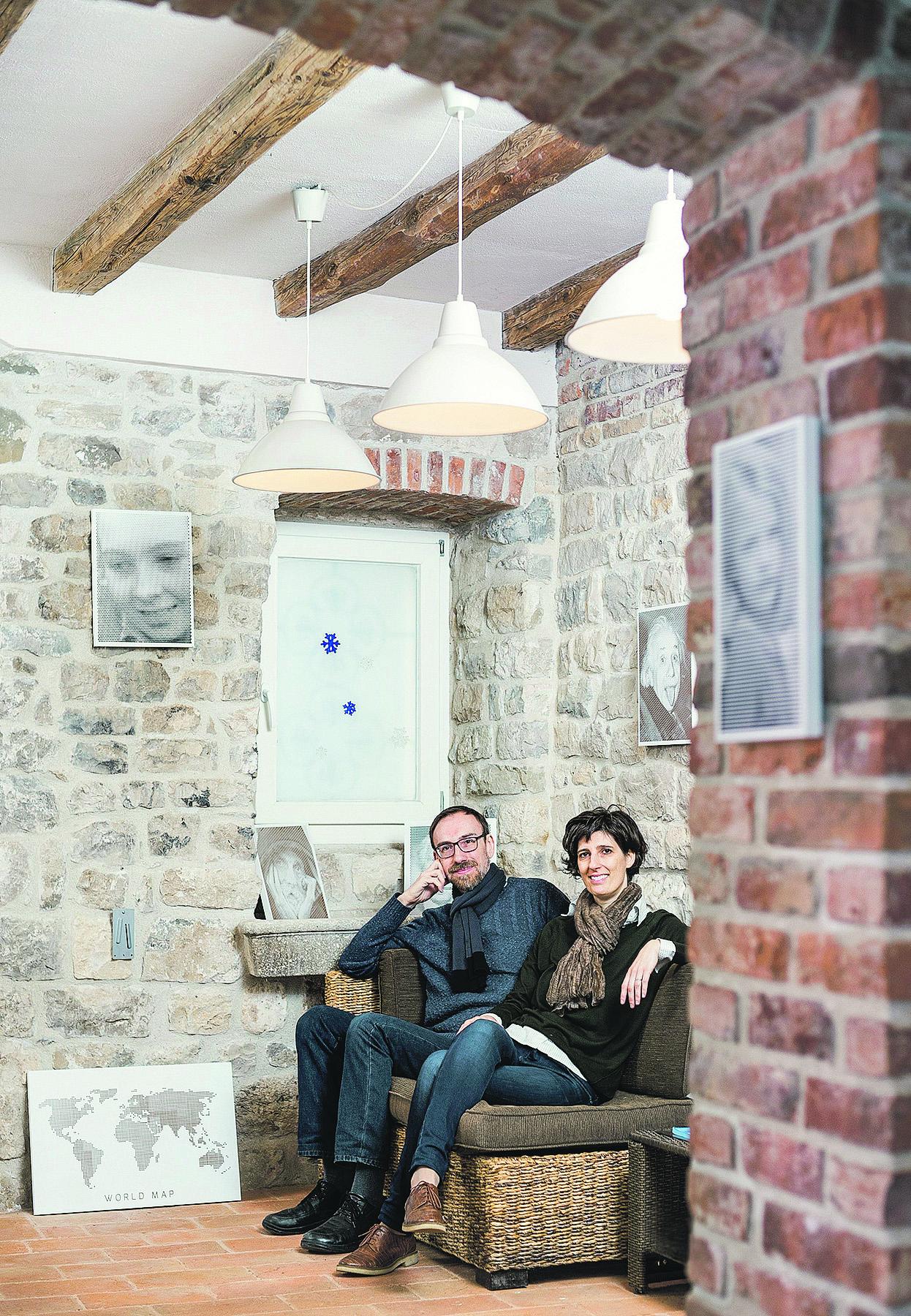 Solin, 061216. Gorjana Draskovic i Brando Zucco vlasnici su tvrtke Studio Minimo, te se bave graviranjem slika na drvu. Foto: Ante Cizmic / CROPIX