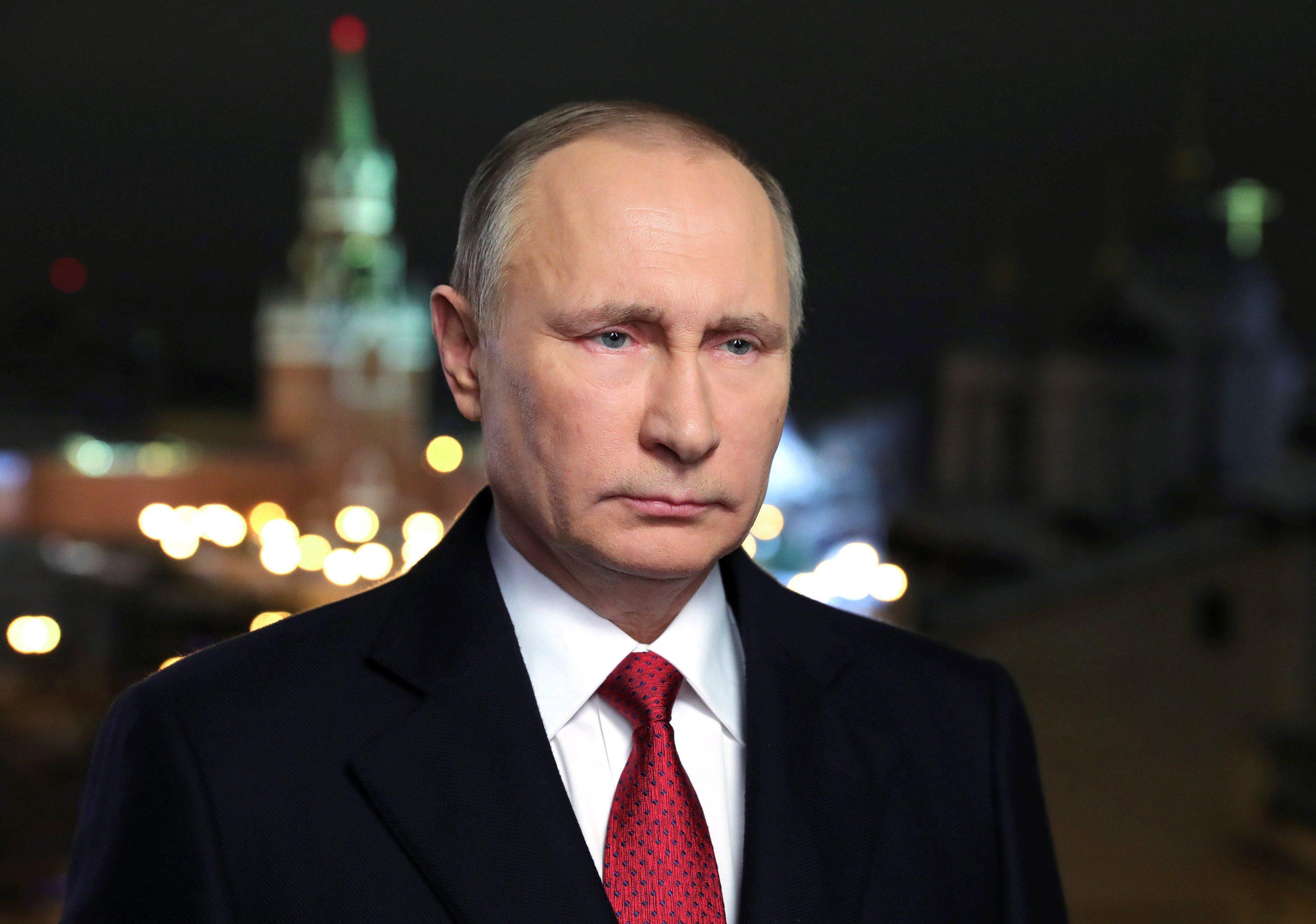 2016-12-31T221125Z_1197921214_RC17D9FEBB30_RTRMADP_3_NEW-YEAR-RUSSIA