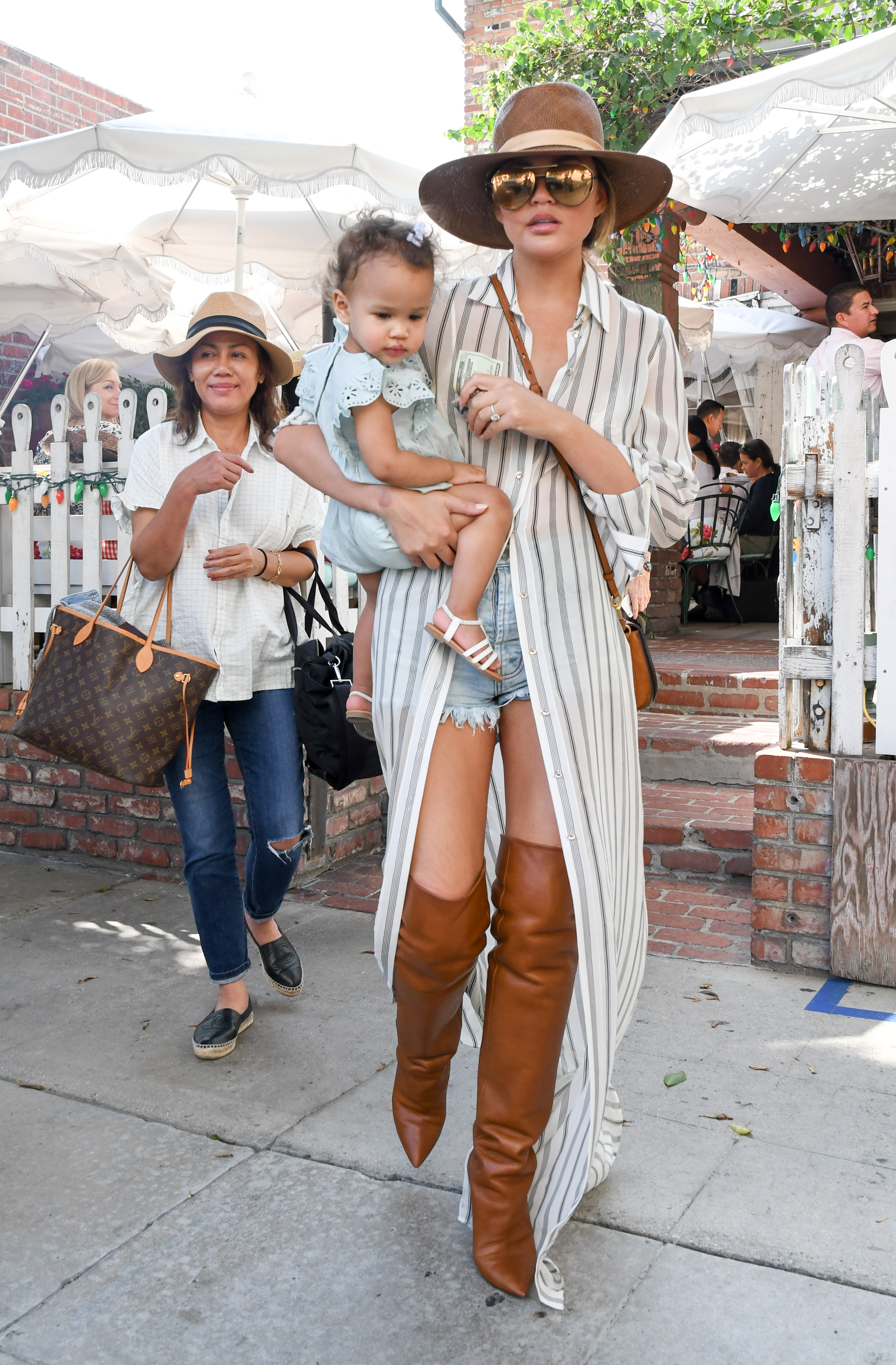 Chrissy Teigen and daughter Luna are seen in Los Angeles, California. <P> Pictured: Chrissy Teigen <B>Ref: SPL1592795  300917  </B><BR/> Picture by: BG015/Bauergriffin.com<BR/> </P><P>