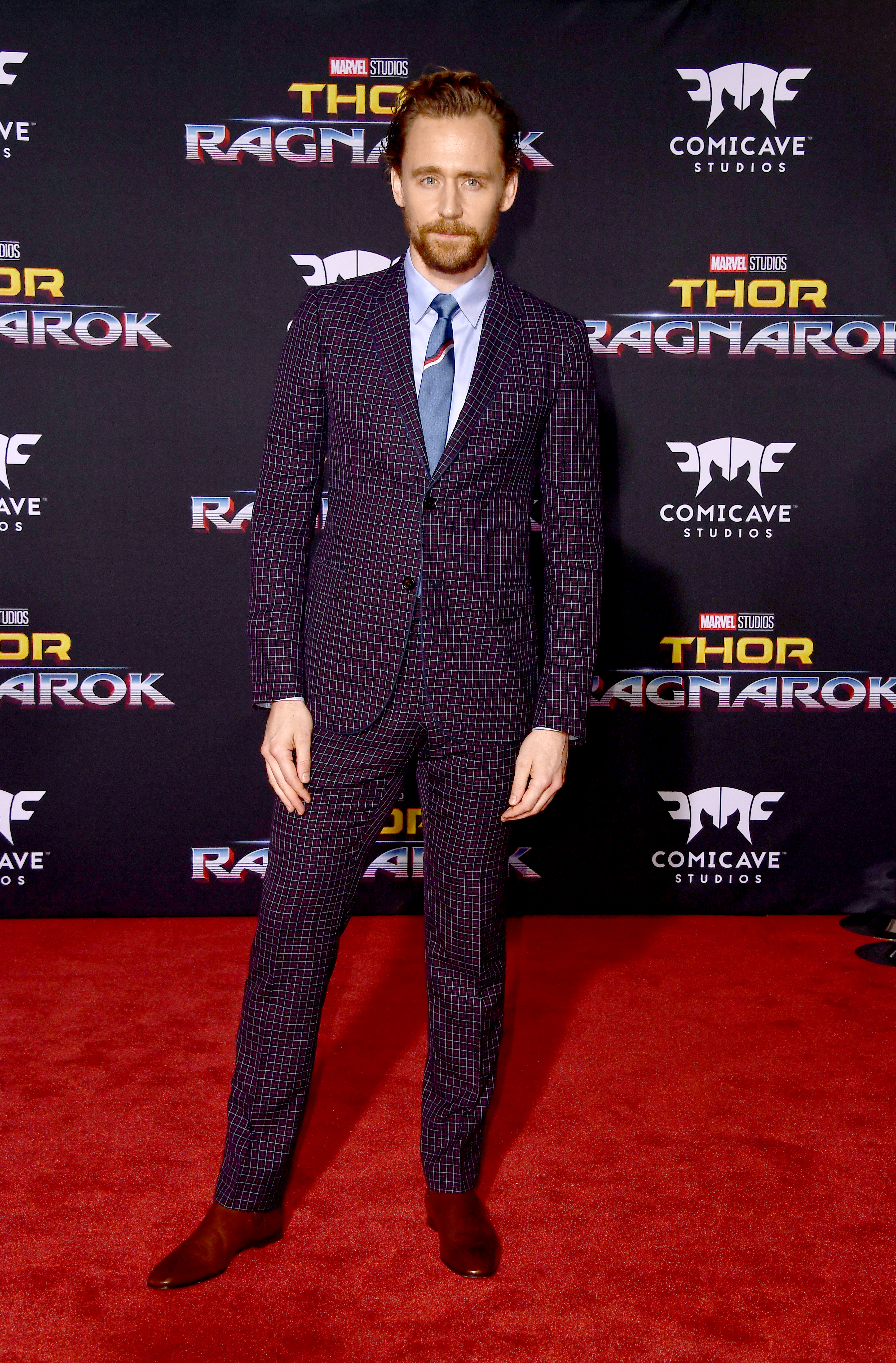 LOS ANGELES, CA - OCTOBER 10:  Actor Tom Hiddleston arrives at the Premiere Of Disney And Marvel's