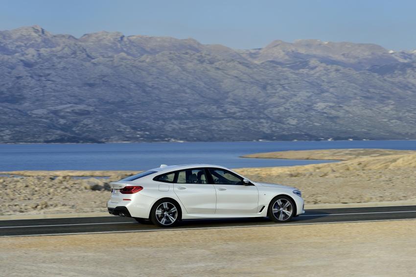 Kao i brojni drugi  proizvođači od Mercedesa, Bentleya, Porschea pa do Peugeota, KTM-a, Dacije ili Škode, BMW je za izradu promo fotografija također odabrao hrvatsku obalu, konkretno Otok Pag i njegov nesvakidašnji ambijent