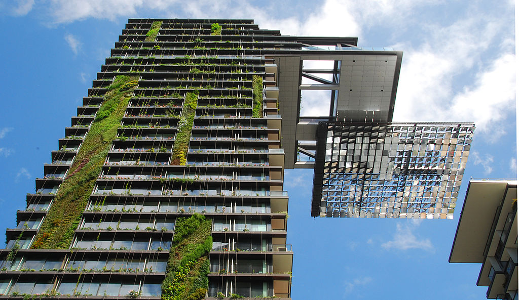 Hanging_gardens_of_One_Central_Park,_Sydney