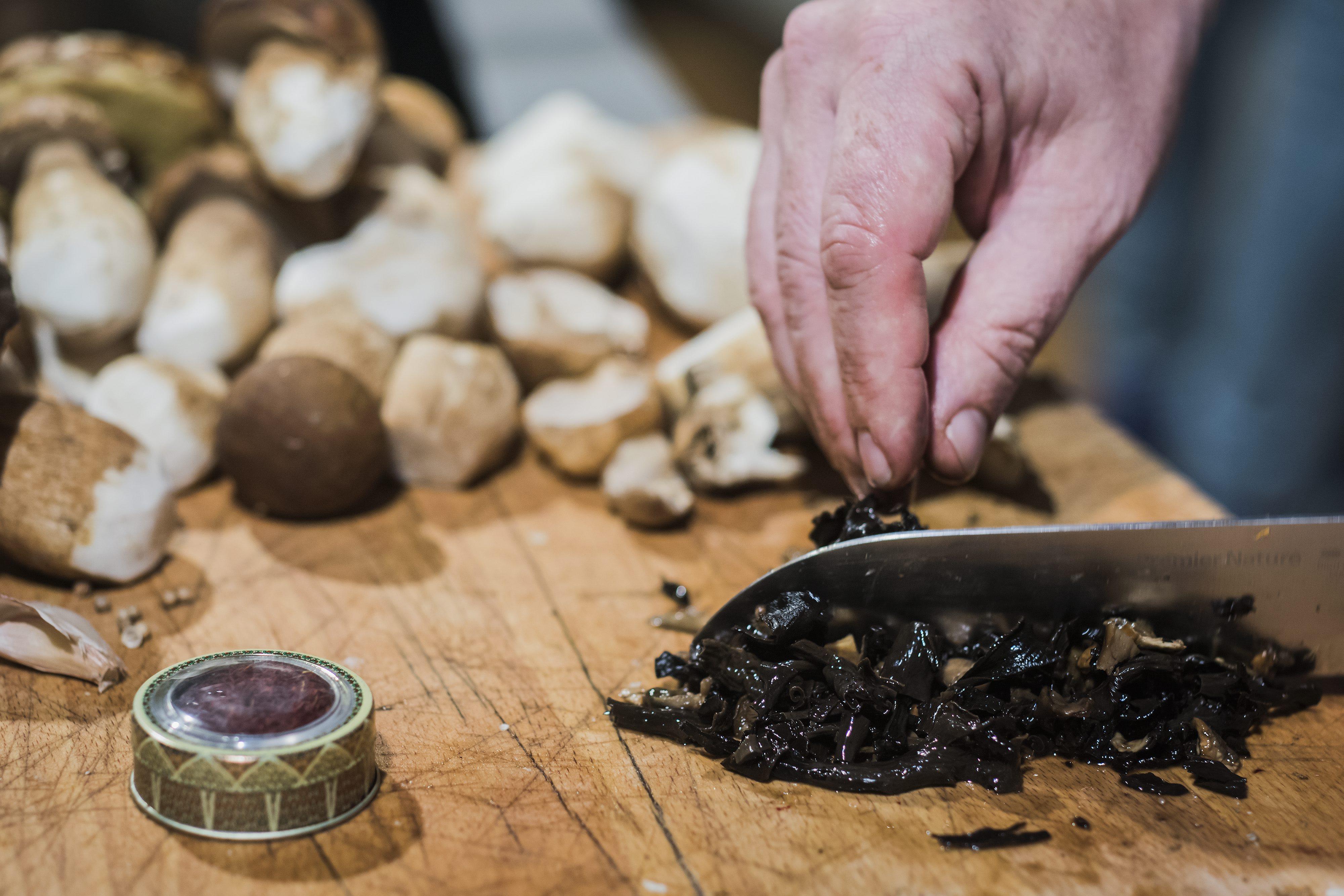 Zagreb, 220917.  U klubu Gastronomada pripremala su se jela s namirnicama i zacinima koje je donio Francuz Francois Louyot. Foto: Neja Markicevic / CROPIX