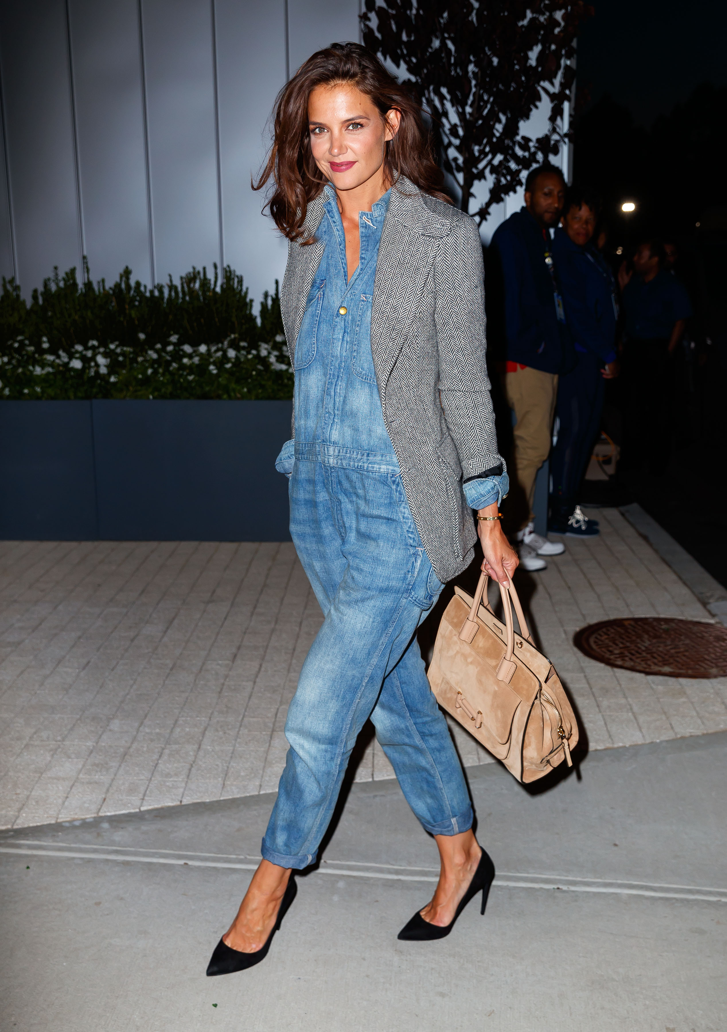 Katie Holmes arrives at Arthur Ashe Stadium in Flushing, NY. <P> Pictured: Katie Holmes <B>Ref: SPL1571711  080917  </B><BR/> Picture by: XactpiX/Splash<BR/> </P><P> <B>Splash News and Pictures</B><BR/> Los Angeles:310-821-2666<BR/> New York:212-619-2666<BR/> London:870-934-2666<BR/> <span id=