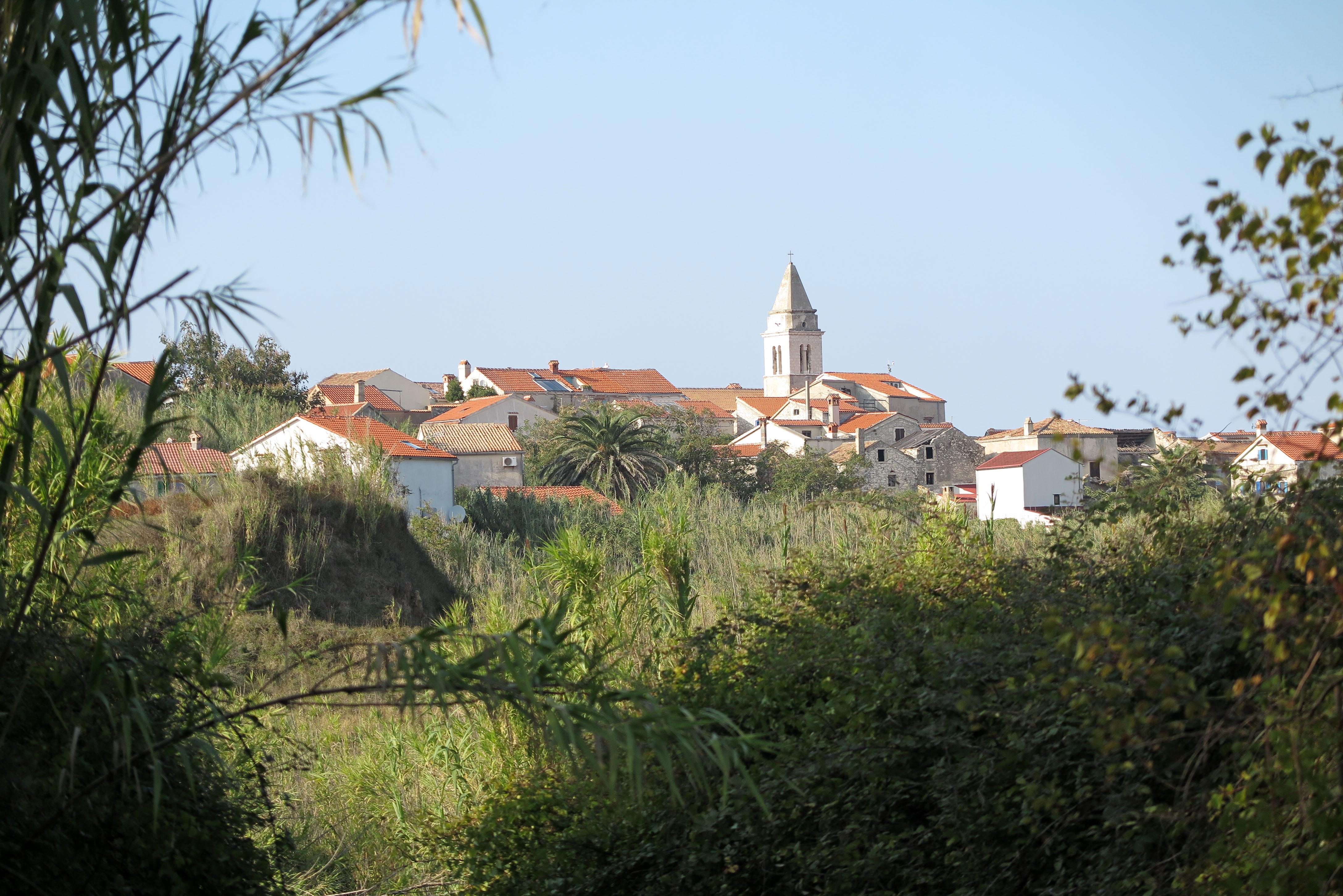 Najizoliraniji hrvatski otok Susak, Gornje Selo