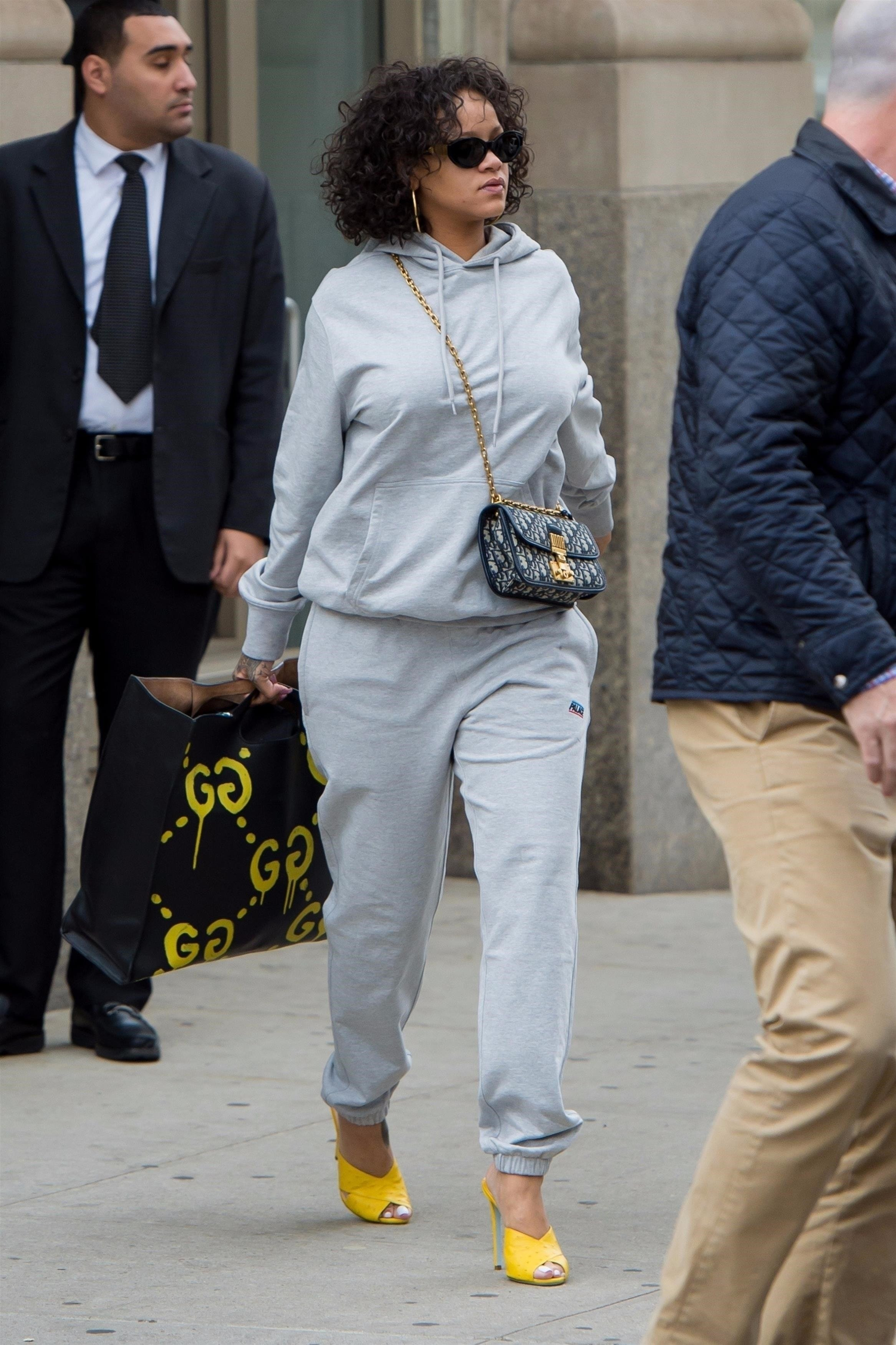 New York, NY  - *EXCLUSIVE*  - Pop star Rihanna keeps things comfy but stylish while stepping out in a grey sweatsuit paired with yellow open toe heels in New York City.  Pictured: Rihanna  BACKGRID USA 26 OCTOBER 2017, Image: 353950630, License: Rights-managed, Restrictions: , Model Release: no, Credit line: Profimedia, AKM-GSI