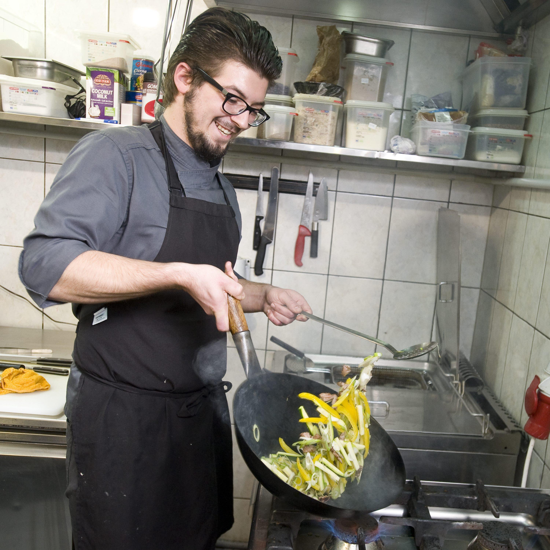Zagreb,261017. Petrinjska 7. Hranu za chefove u restoranu Time pripremio je Tomislav Rezo. Na fotografiji: Tomislav Rezo u kuhinji. Foto: Darko Tomas / CROPIX
