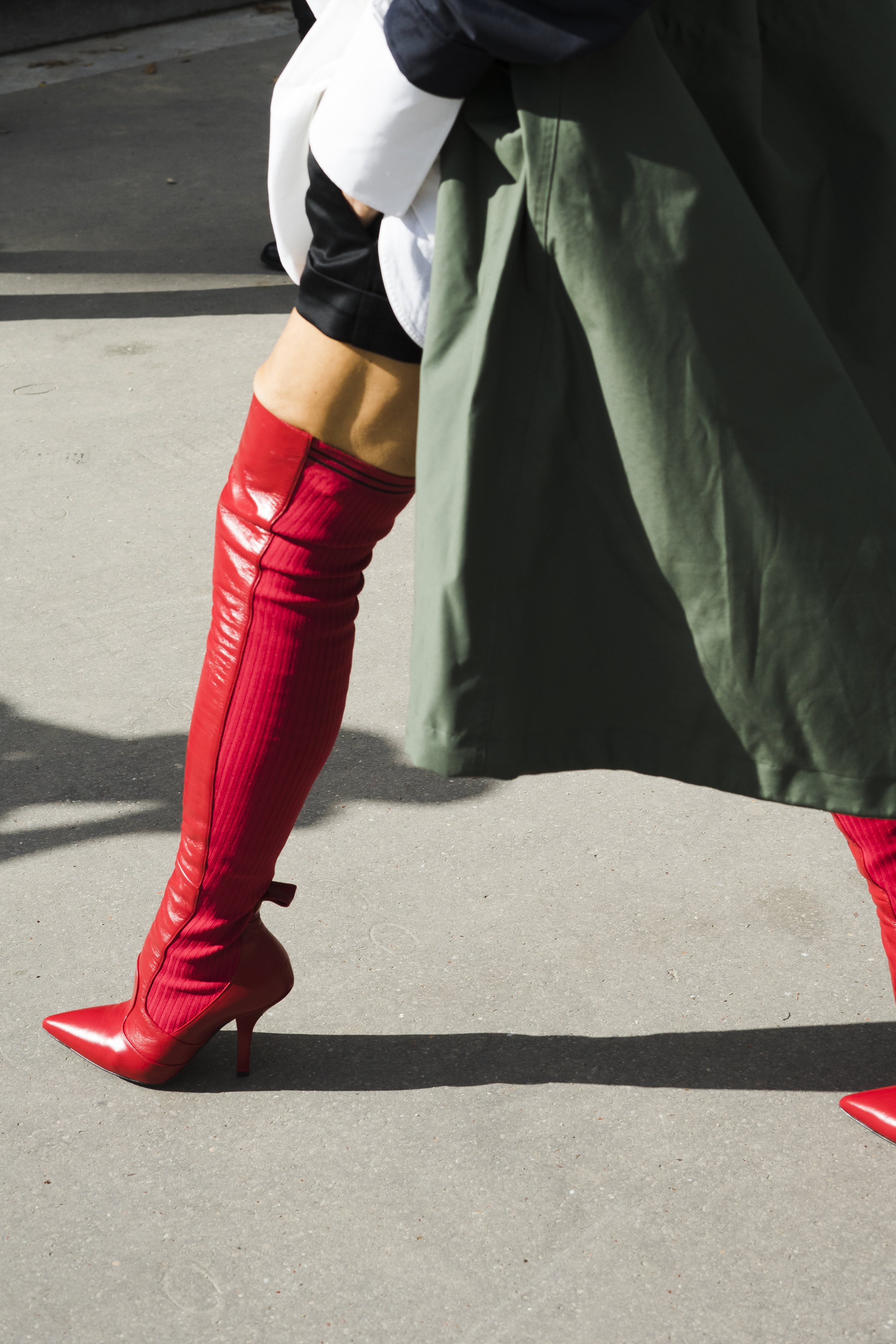 September 30, 2017 - Paris, Ile de France, France - Accessory detail during Paris Fashion Week Womenswear Spring/Summer 2018 on September 29, 2017 in Paris, France., Image: 351198220, License: Rights-managed, Restrictions: * France Rights OUT *, Model Release: no, Credit line: Profimedia, Zuma Press - Entertaiment