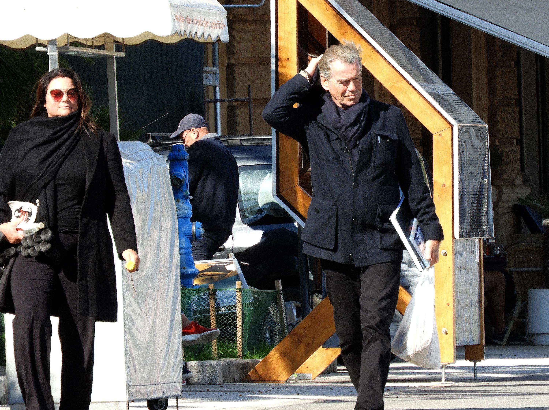 Irski glumac Pierce Brosnan sa suprugom Keely Shay na Visu