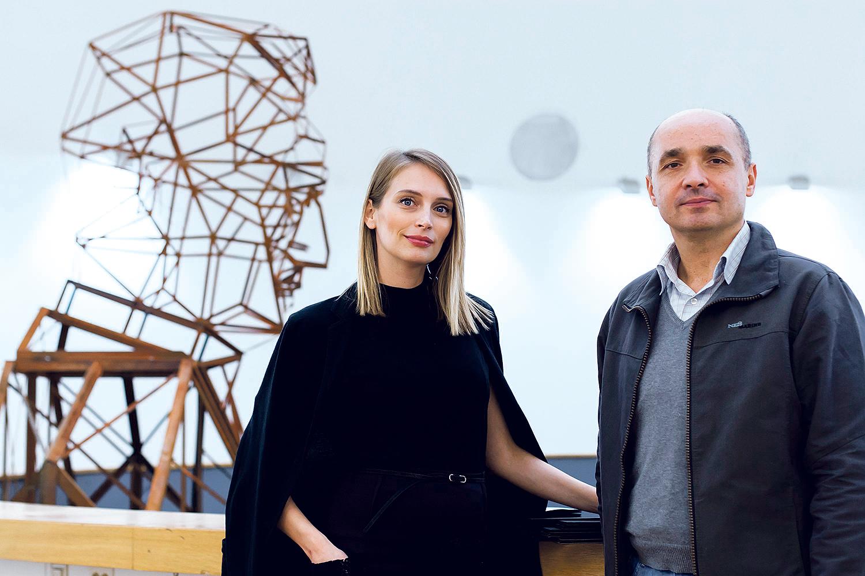 Ivana Andabaka i Tomislav Buntak u HDLU na postavljanju izložbe