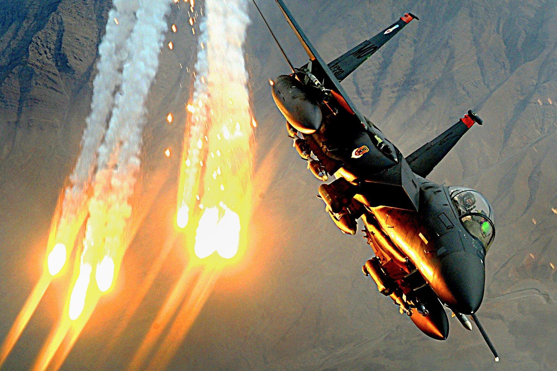 F-15E Strike Eagle u letu iznad Afganistana (2008.)
