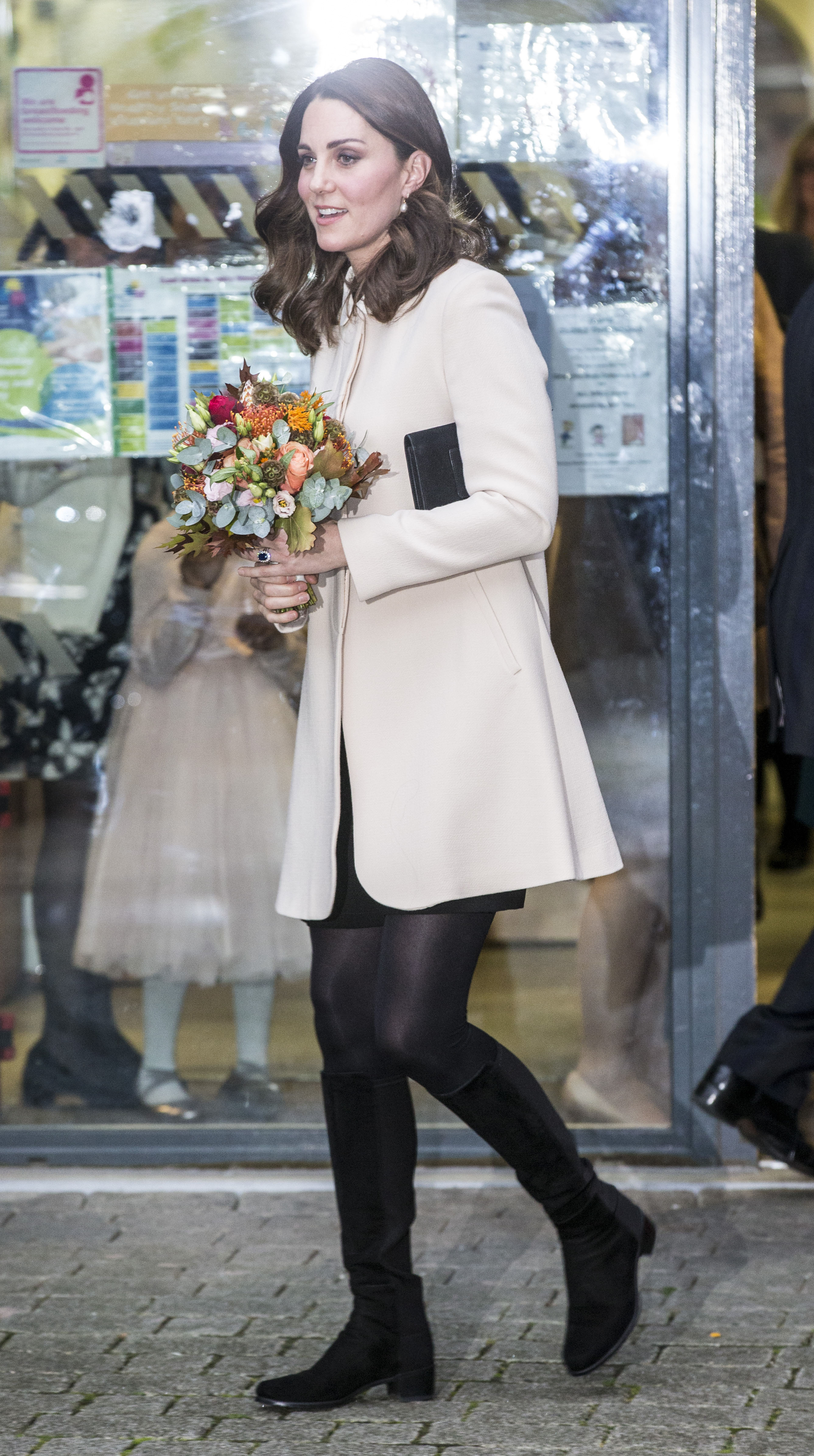The Duchess of Cambridge visits the Hornsey Road Children's Centre to see the valuable family and parental support services which are delivered at the centre in London, UK. <P> Pictured: Duchess of Cambridge <B>Ref: SPL1622032  141117  </B><BR/> Picture by: Ian Jones / Allpix / Splash News<BR/> </P><P> <B>Splash News and Pictures</B><BR/> Los Angeles:310-821-2666<BR/> New York:212-619-2666<BR/> London:870-934-2666<BR/> <span id=