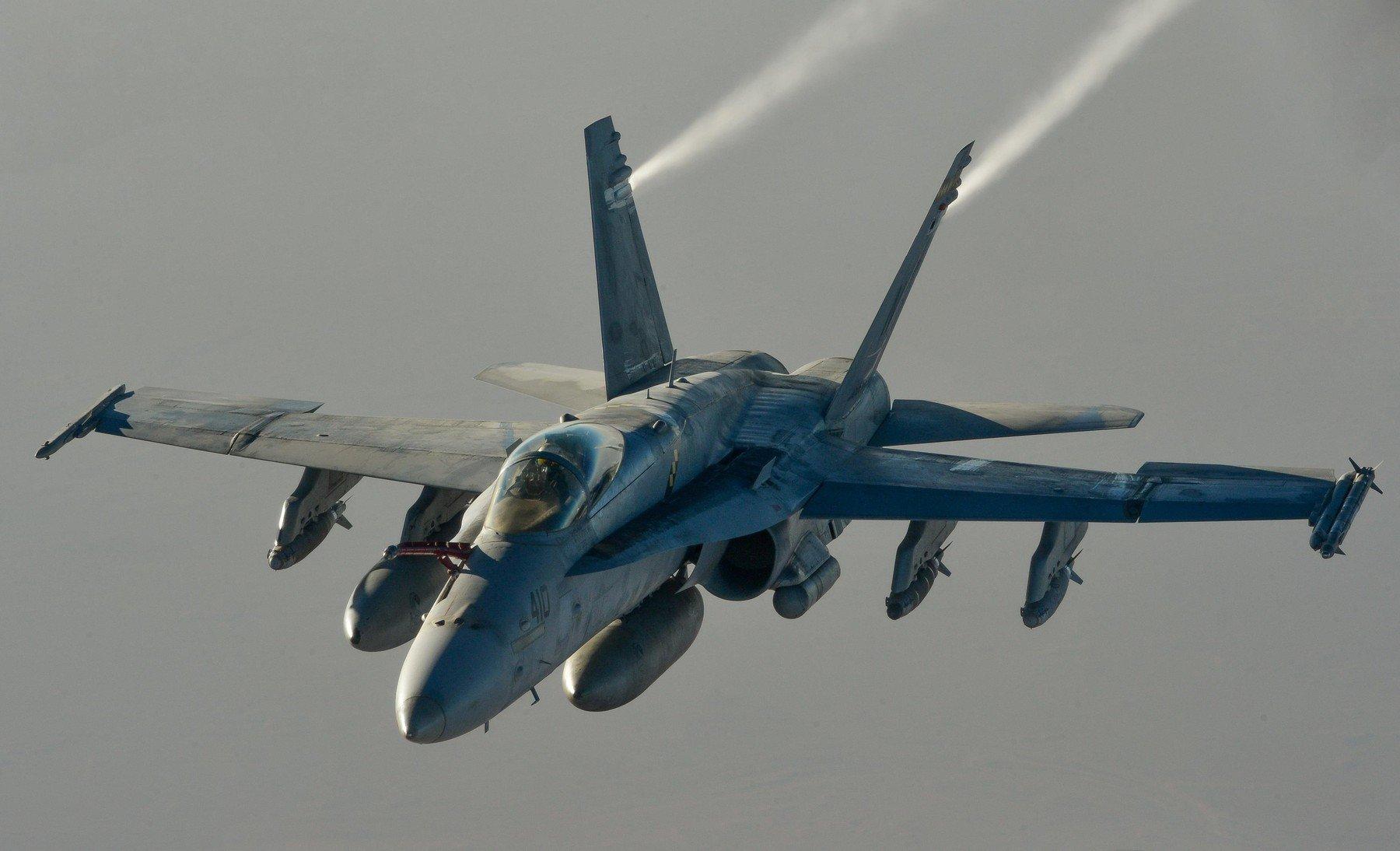 F/A-18E Super Hornet u letu iznad Iraka
