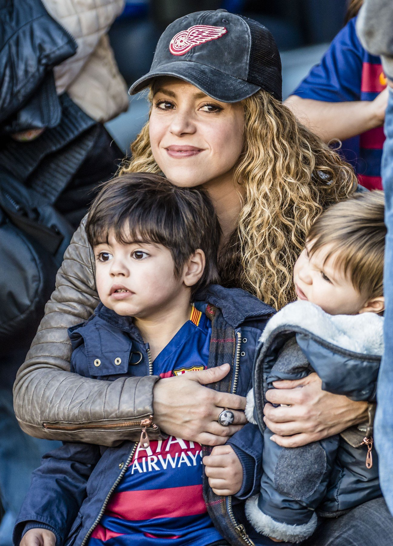 Shakira sa sinovima Milanom i Sashom koje odgaja sa slavnim nogometašem Gerardom Piquéom