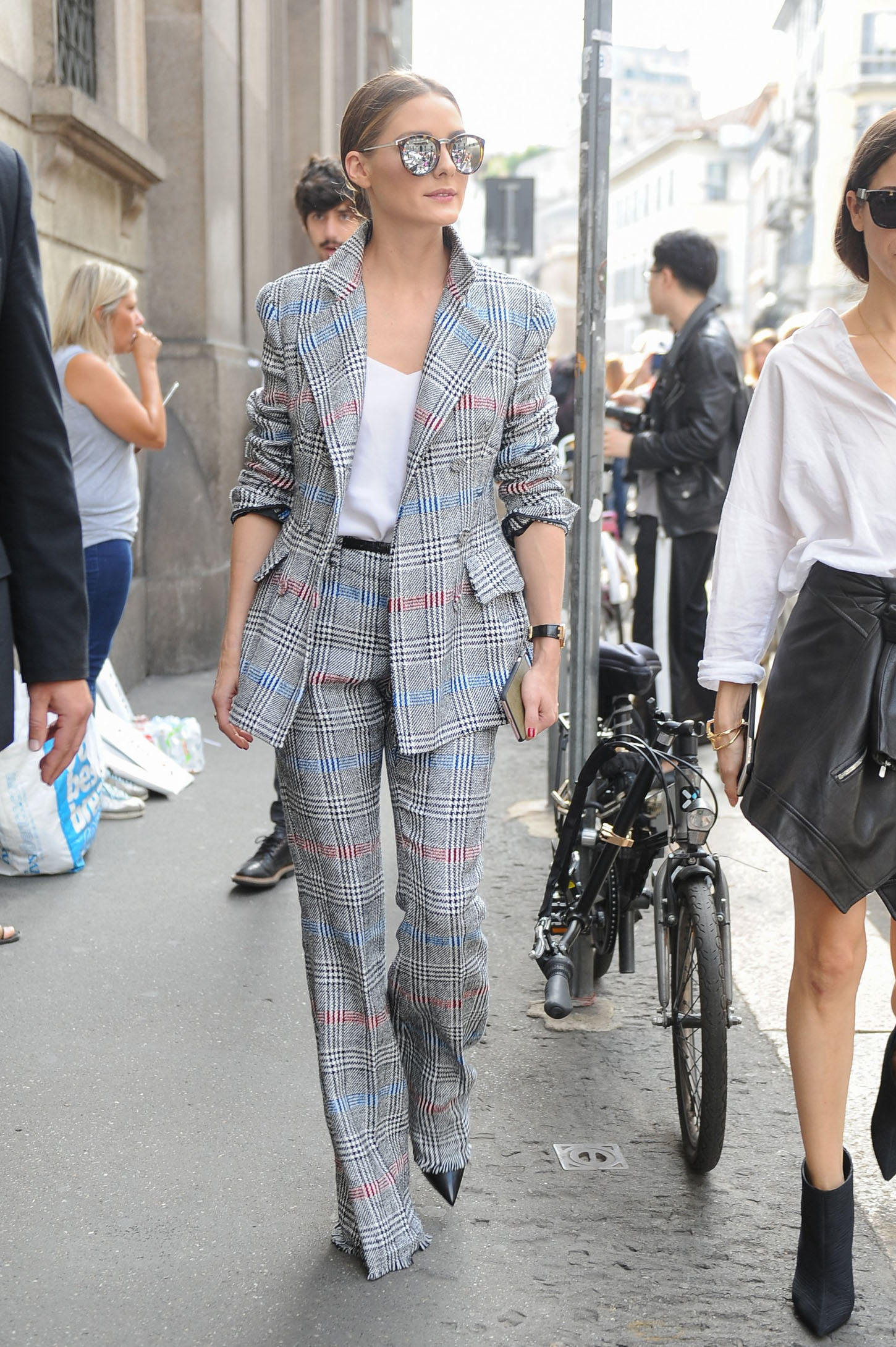 Olivia Palermo  Women Fashion Show SS 2018 Ermanno Scervino street style Milan - Italy 23 september 2017 id  112995_002 *not exclusive, Image: 350345110, License: Rights-managed, Restrictions: , Model Release: no, Credit line: Profimedia, SGP