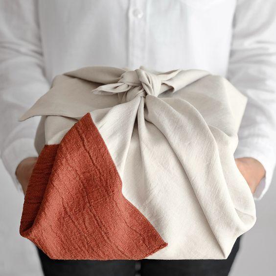 Dom i dizajn - Furoshiki, japanski način pakiranja poklona koji je zaludio  svijet
