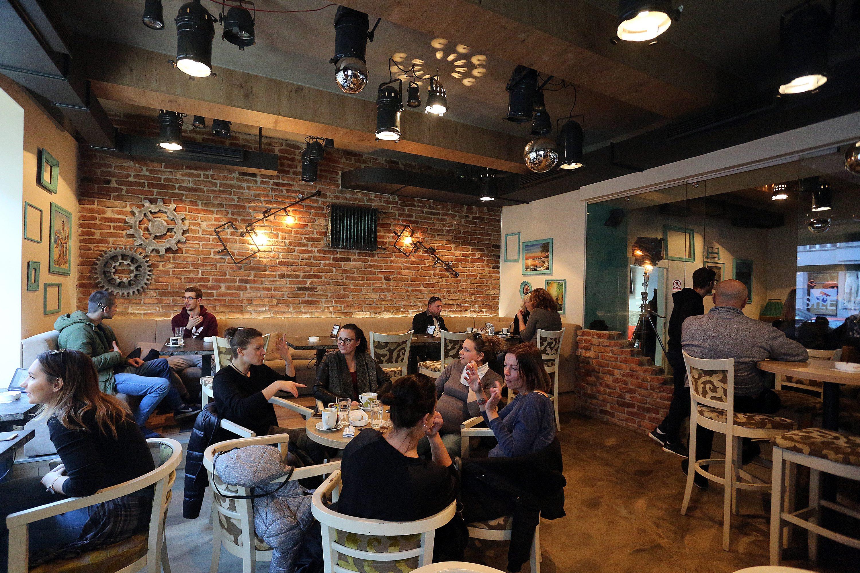 Zagreb, 271117. Kneza Mislava 7. Silent Caffe, prvi kafic koji zaposljava gluhe i nagluhe konobare. Foto: Davor Pongracic / CROPIX