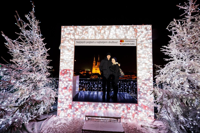 Zagreb, 061217.  Zagreb u adventsko vrijeme je dokazano jedno od najljepsih bozicnih destinacija u Europi. Na fotografiji: Gornji Grad. Foto: Zvonimir Barisin / CROPIX