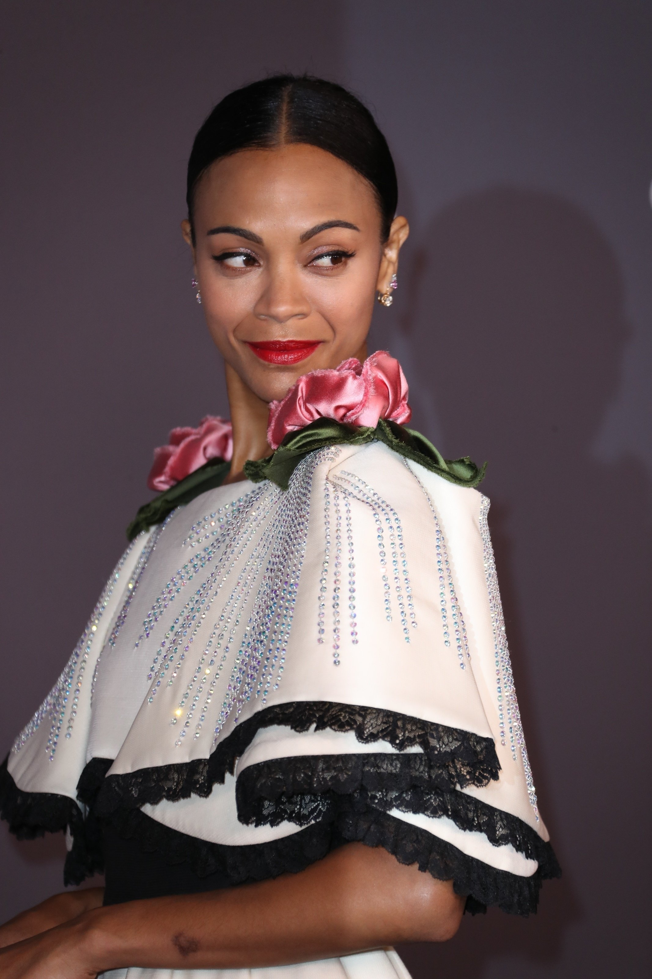 Los Angeles, CA  - 2017 LACMA Art and Film Gala held at the Los Angeles County Museum of Art in Los Angeles, California.  Pictured: Zoe Saldana  BACKGRID USA 4 NOVEMBER 2017, Image: 354638458, License: Rights-managed, Restrictions: , Model Release: no, Credit line: Profimedia, AKM-GSI