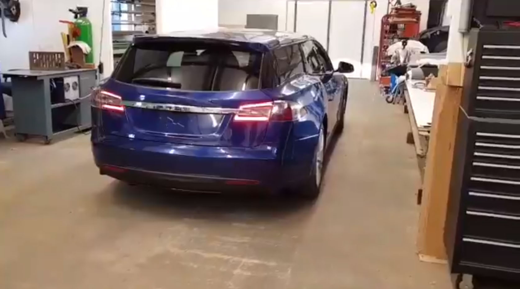 the-tesla-model-s-wagon-project-is-completed-watch-it-move-122325_1