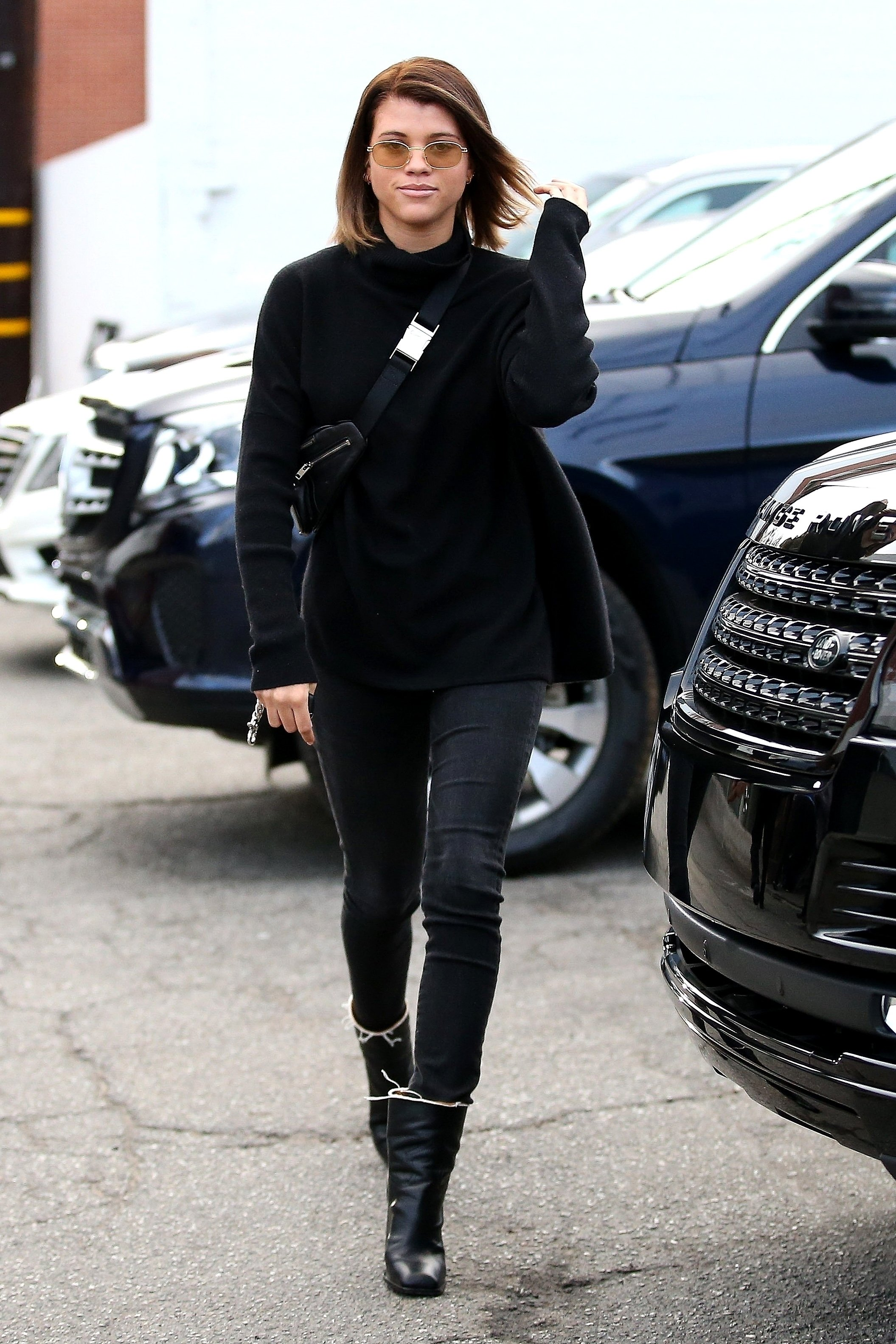 Beverly Hills, CA  - *EXCLUSIVE*  - Model Sofia Richie spends 6 hours at Meche Salon today and changes her hair color back to a natural brunette.  Perhaps boyfriend Scott Disick requested the change as the new year approaches.  Pictured: Sofia Richie    *UK Clients - Pictures Containing Children Please Pixelate Face Prior To Publication*, Image: 358352173, License: Rights-managed, Restrictions: , Model Release: no, Credit line: Profimedia, AKM-GSI