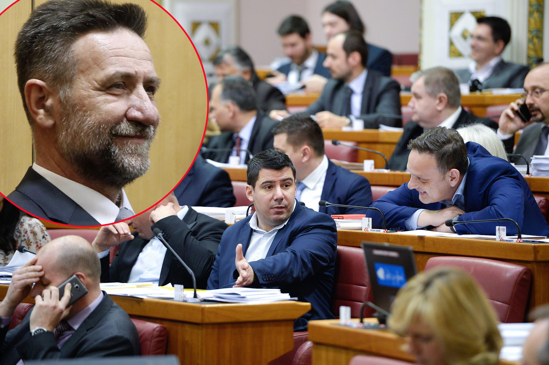 sabor_glasovanje5-100217