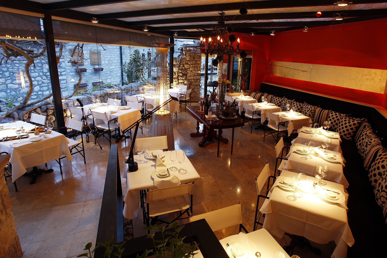 Pula, 240412. Restoran Monte koji je smjesten u Rovinju . Na fotografiji interijer restorana Monte. Foto: Srecko Niketic / CROPIX