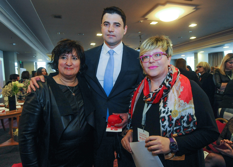Davor Bernardić i Karolina Leaković (desno)