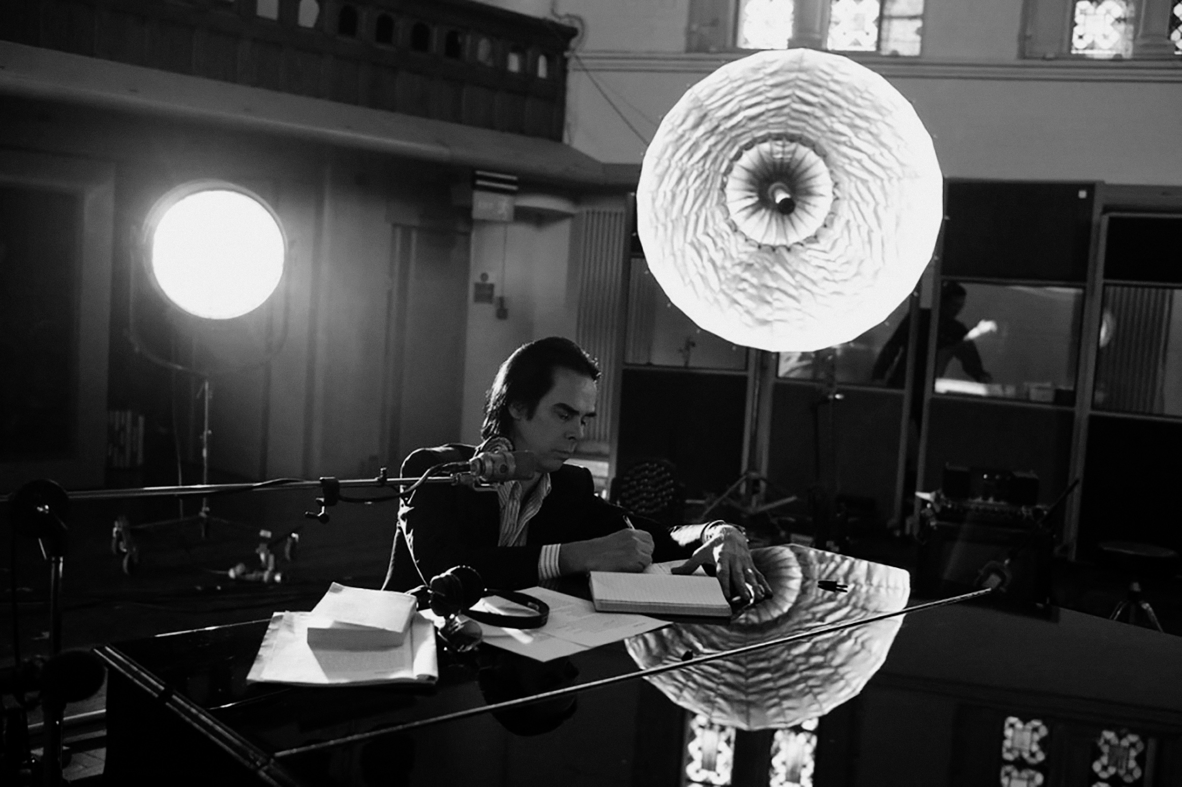 Nick-Cave---One-More-Time-With-Feeling-3-1107-737