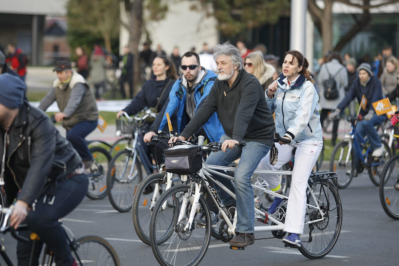 Biciklisti vožnja prosvjed