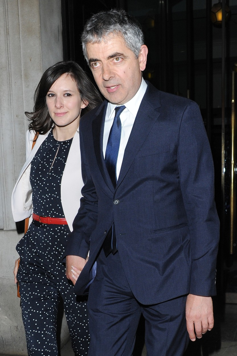 28 Apr 2015 - LONDON - UK  BRITISH COMEDY ACTOR ROWAN ATKINSON AKA MR. BEAN AND HIS GIRLFRIEND OF 1YR LOUISE FORD ARE SEEN LEAVING THE AMERICAN BUFFALO PRESS PREVIEW AFTER PARTY AT THE NATIONAL GALLERY CAFE ON MONDAY 27TH APRIL 15., Image: 240232327, License: Rights-managed, Restrictions: PLEASE CREDIT AS PER BYLINE *UK CLIENTS - PLEASE PIXELATE CHILDS FACE BEFORE PUBLICATION***UK CLIENTS MUST CALL PRIOR TO TV OR ONLINE USAGE PLEASE CALL  44 208 344 2007, Model Release: no, Credit line: Profimedia, Xposurephotos