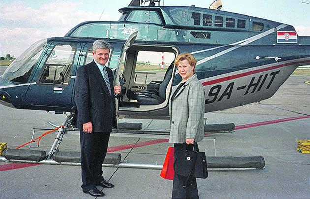 zagreb 030600 ivica todoric ispred svog helikoptera foto jelic nikola