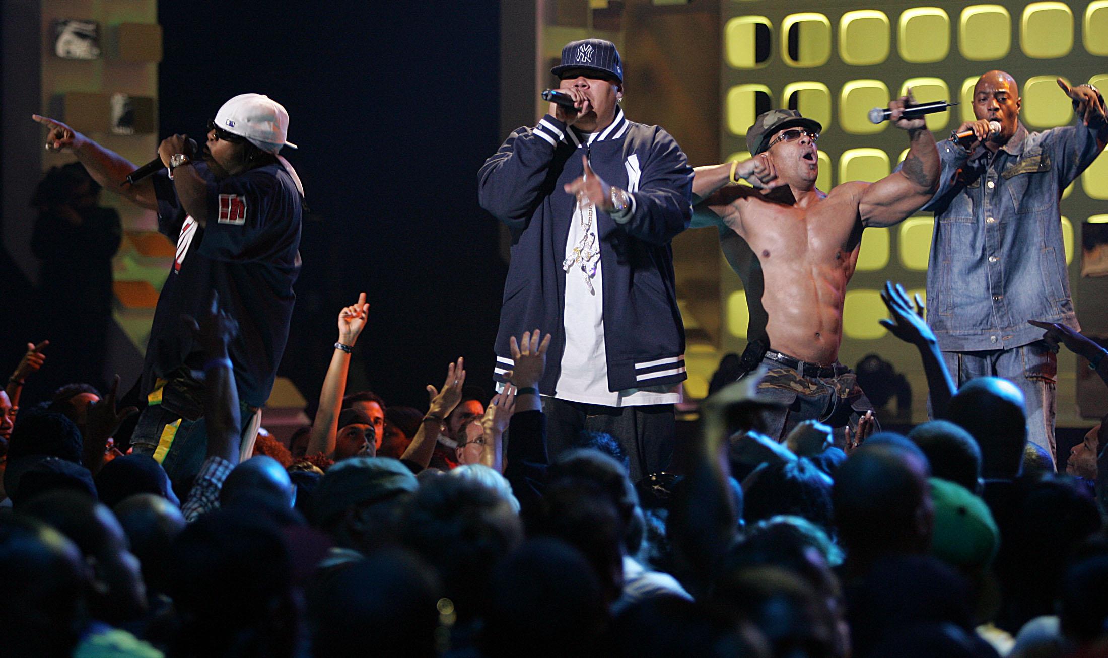 Fat Joe nastupa s Grandmaster Flash and The Furious Five tijekom VH1 Hip Hop Honors u New Yorku