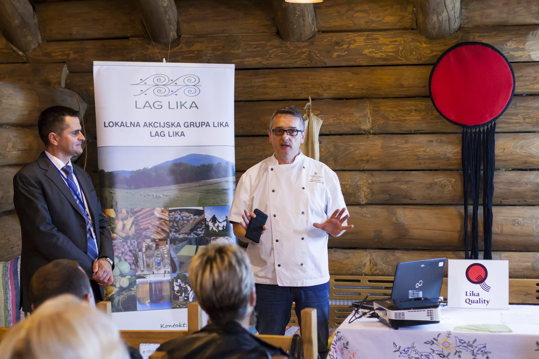 Plitvicka jezera, 240317. Licka kuca. Priprema hrane od janjetine i predstavljanje Lika Quality projekta. Na fotografiji: Tomislav Kovacevic, Robert Ripli. Foto: Tomislav Kristo / CROPIX