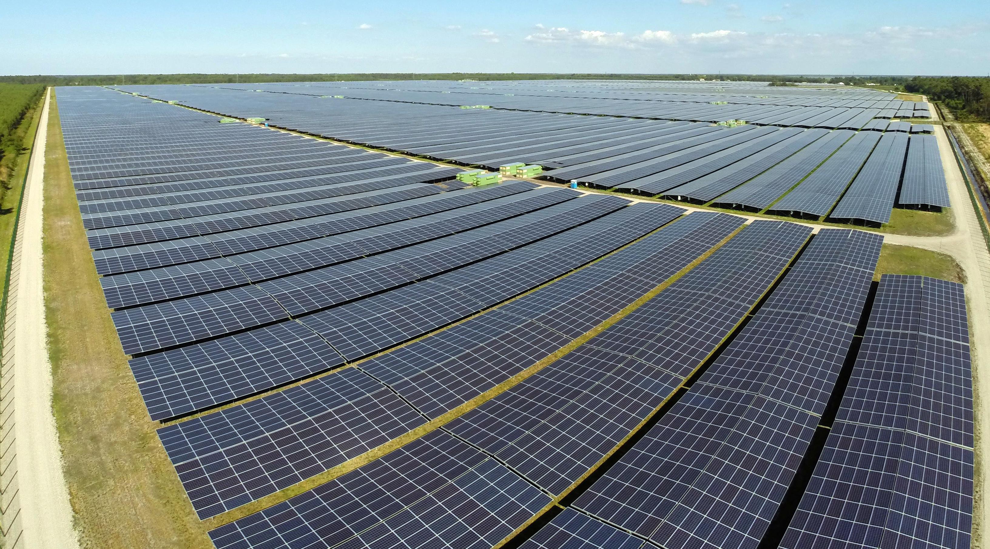 Ilustracija: Najveća solarna farma u Europi, Cestas park u Francuskoj