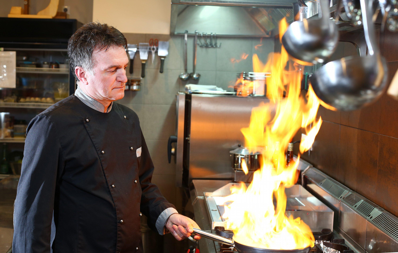 Split, 270217. Restoran O Zlata.  Na fotografiji: kuhar Braco Sanjin. Foto: Duje Klaric / CROPIX