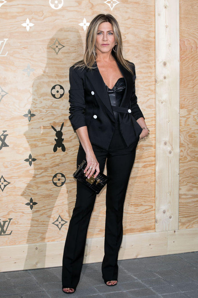 PARIS, FRANCE - APRIL 11:  Actress Jennifer Aniston attends the 'Louis Vuitton Masters: a collaboration with Jeff Koons' dinner at Musee du Louvre on April 11, 2017 in Paris, France.  (Photo by Marc Piasecki/WireImage)