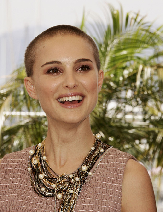 CANNES, FRANCE - MAY 15:  Actress Natalie Portman attends a photocall promoting the film