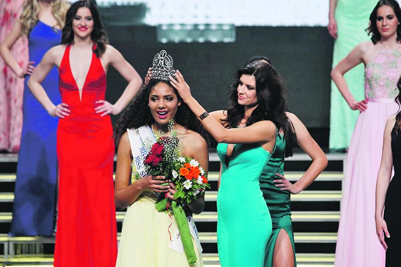 Zagreb, 280417. HRT. 21. izbor Miss Universe Hrvatske odrzan je na HRT-u. Na fotografiji: Shanaelle Petty - miss Universe 2017, Barbara Filipovic - miss Universe 2016. Foto: Tomislav Kristo / CROPIX