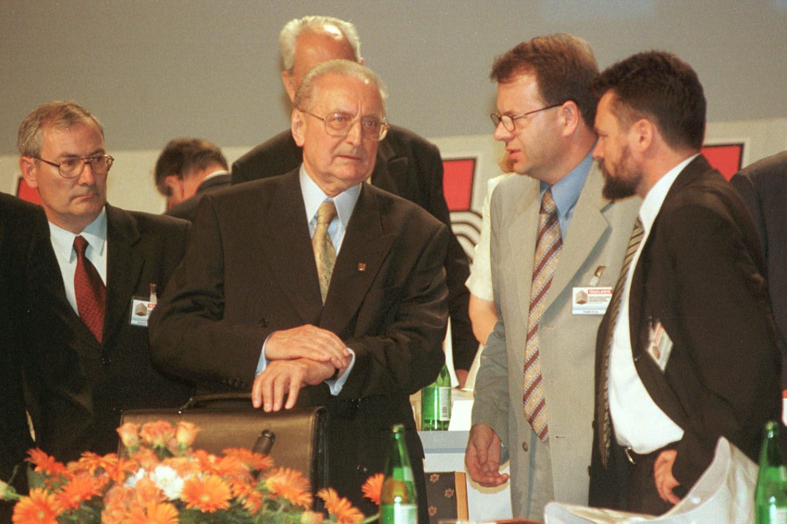 S lijeva na desno: Ivica Kostović, Franjo Tuđman, Ivić Pašalić i Drago Krpina