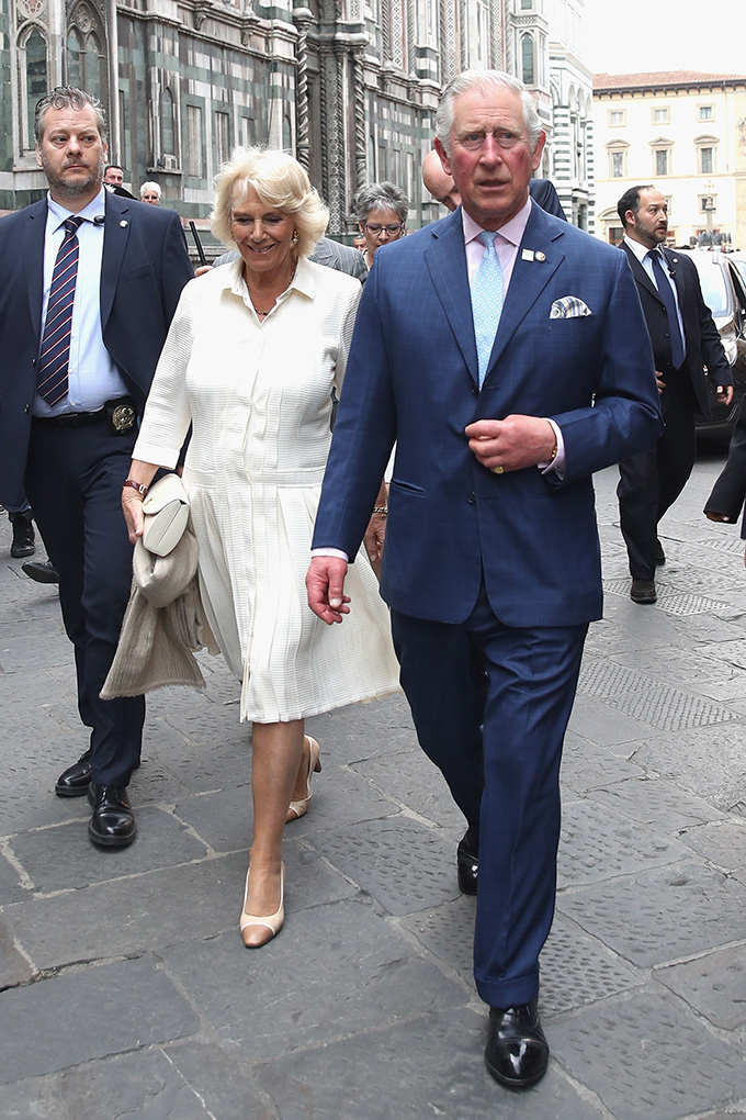 FLORENCE, ITALY - APRIL 03:  Prince Charles, Prince of Wales and Camilla, Duchess of Cornwall attend a walkabout in front of the Cattedrale di Santa Maria del Fiore during day 4 of their visit to Italy, on April 3, 2017 in Florence, Italy.  (Photo by Chris Jackson/Getty Images)
