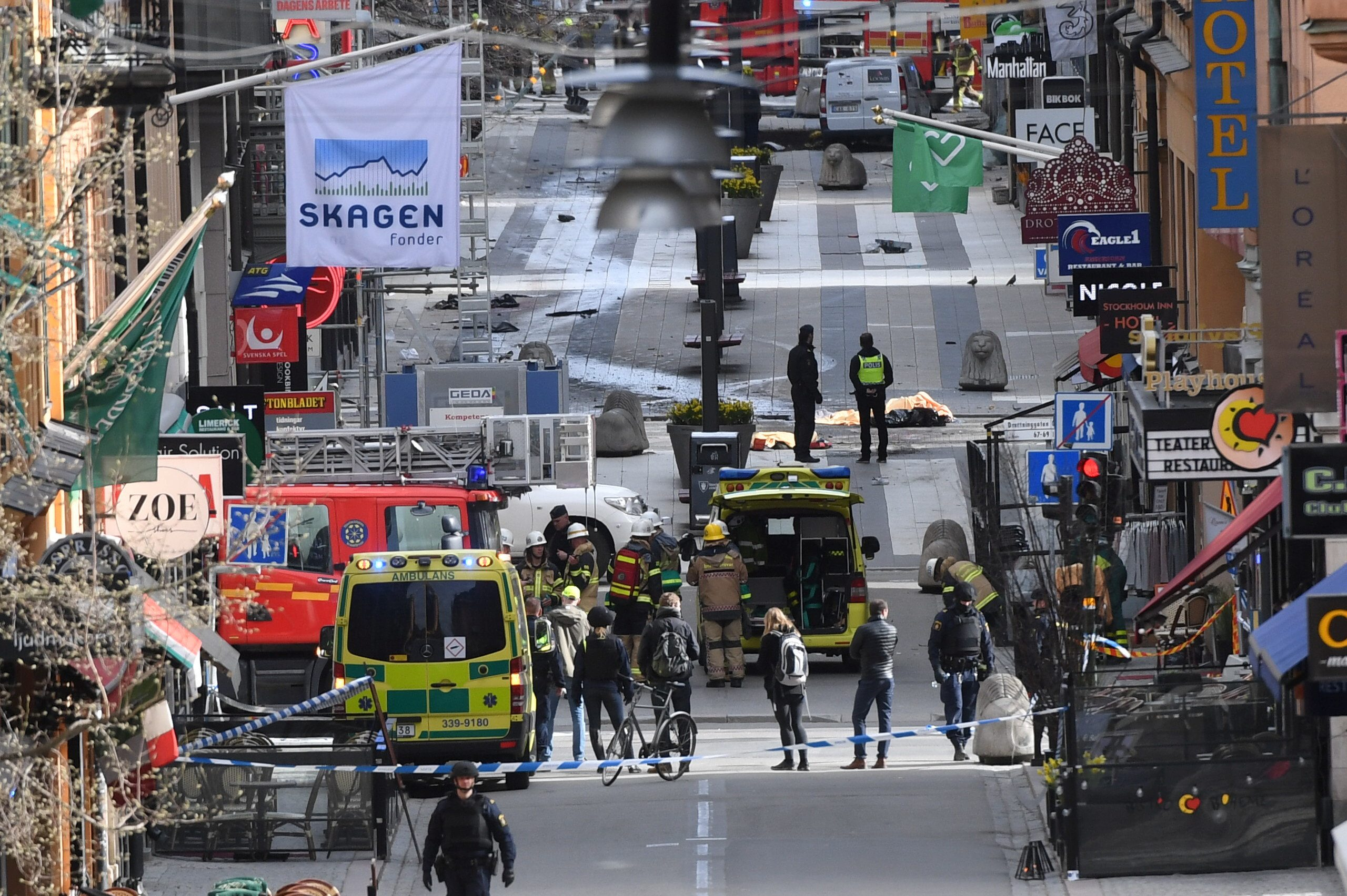 A view of the street where several people were killed and injured when a truck crashed into department store Ahlens, in central Stockholm, Sweden, April 7, 2017. Fredrik Sandberg/TT News Agency via REUTERS      ATTENTION EDITORS - THIS IMAGE WAS PROVIDED BY A THIRD PARTY. FOR EDITORIAL USE ONLY. SWEDEN OUT. NO COMMERCIAL OR EDITORIAL SALES IN SWEDEN