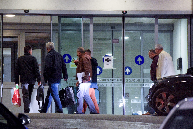 Zagreb, 010517. Ulica Sveti duh. Milan Bandic nakon 22h usao je u Klinicku bolnicu Sveti duh na ulaz hitnog prijema. Foto: Darko Tomas / CROPIX