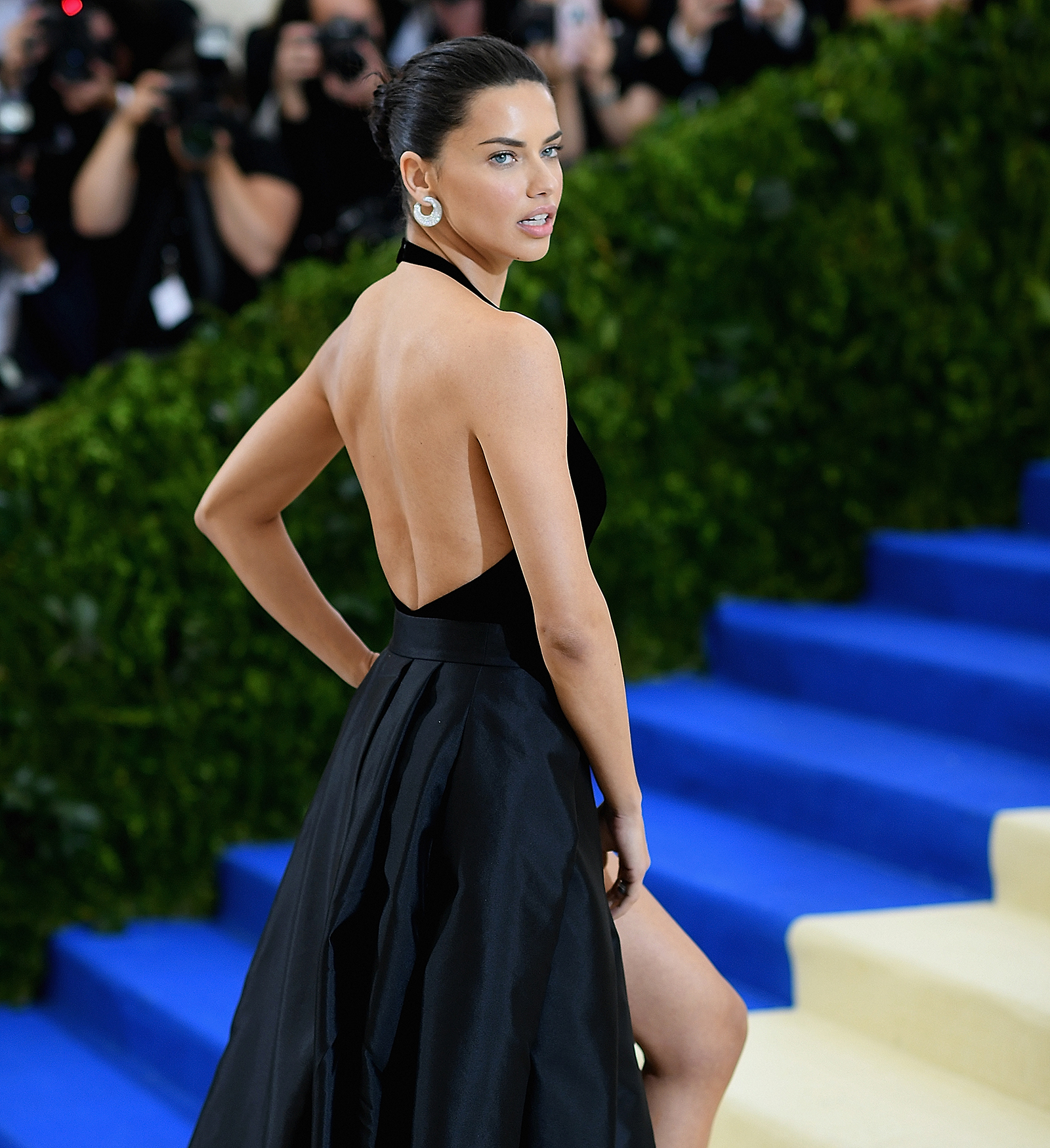 adriana lima_cover_GettyImages-676384794